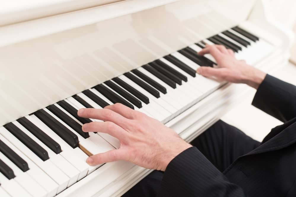 How Do You Play Piano Without Mistakes