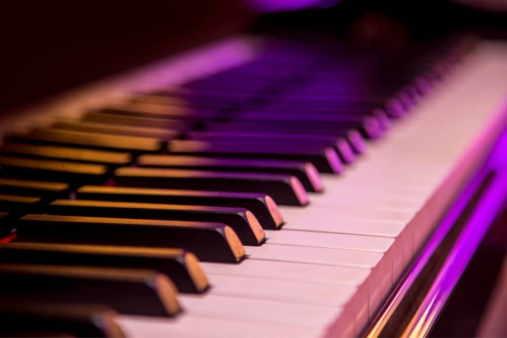 How to Learn Piano Without Owning One?