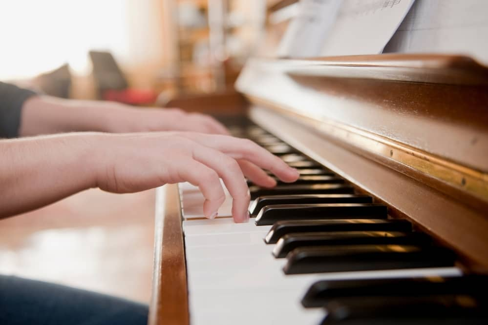 How to Improve Finger Dexterity for Piano Players