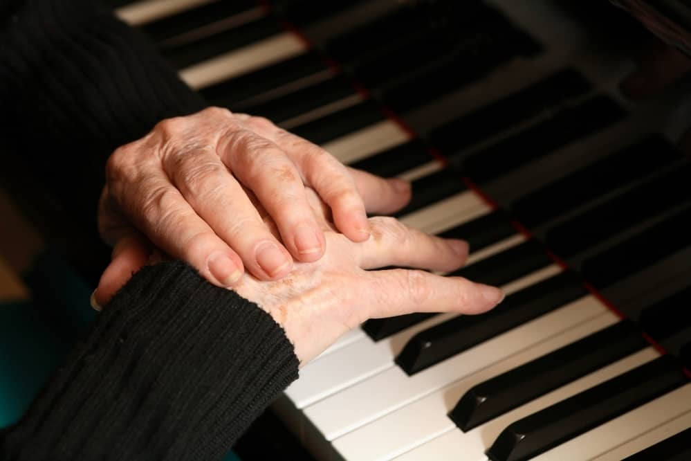 Why Do My Hands Hurt When I Play Piano?