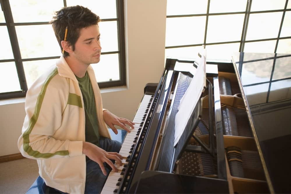 7 Tips to Stay Motivated to Practice the Piano